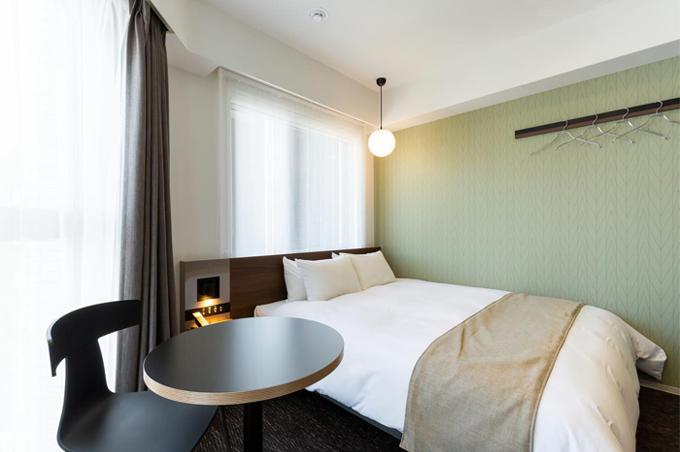 お部屋はタブルルームとツインルームの2タイプ。さらにバリアフリーに特化したお部屋もご用意。