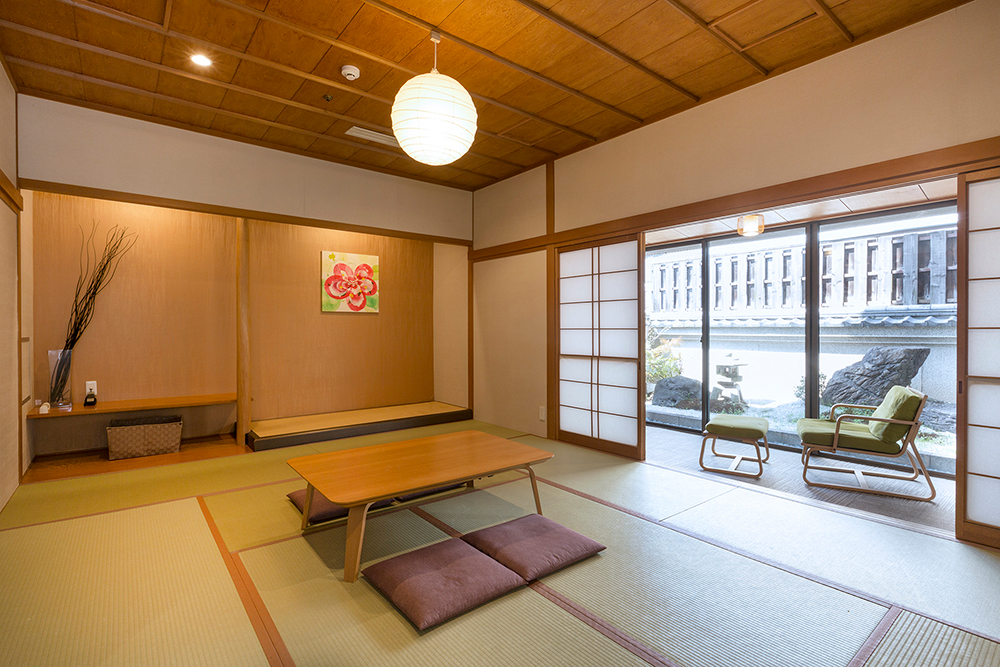 Japanese Style Room with Small Garden