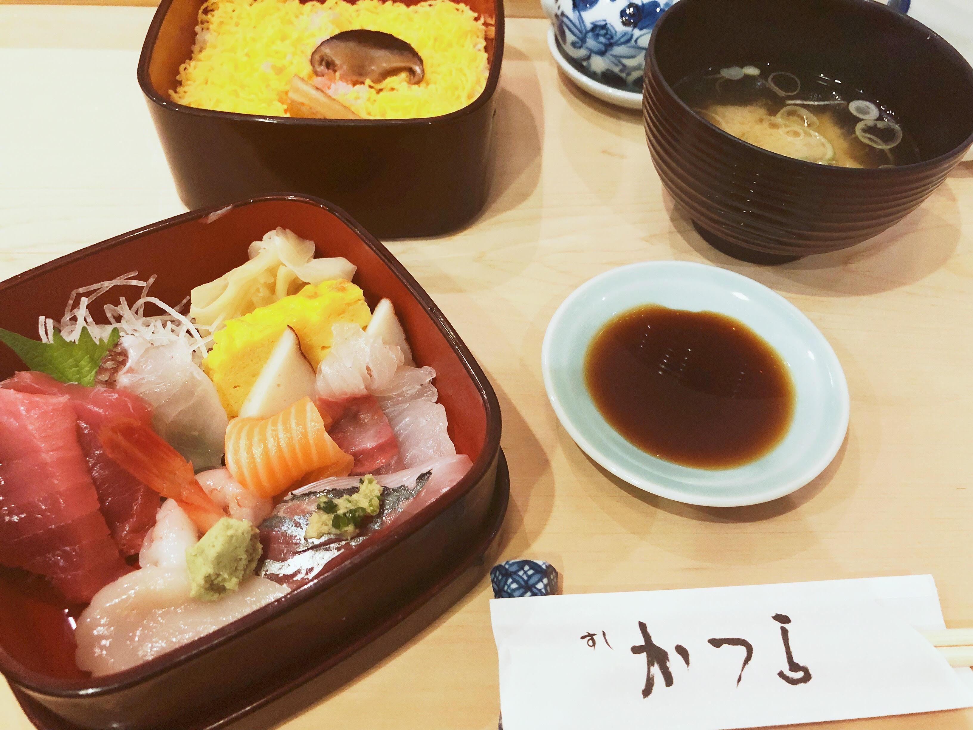 Как съесть суши, которые стоят 10000 йен з...