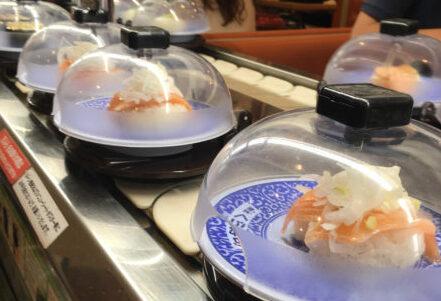 KURA SUSHI (Kaiten sushi=Conveyor Belt Sus...